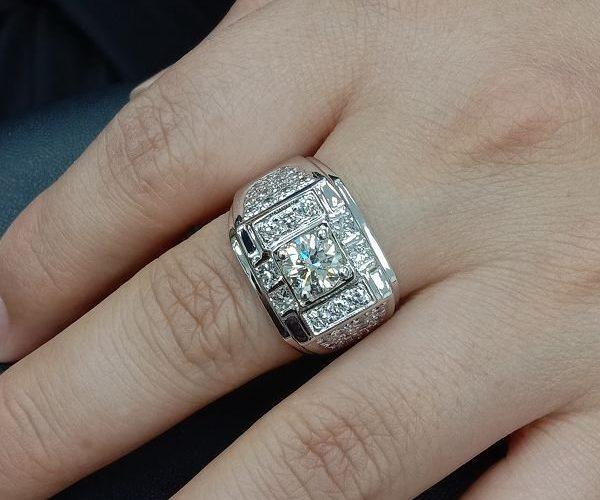 台中流當鑽石拍賣 豪華 敢那閃 8心8劍 1.07克拉 G色 K金 男鑽戒 喜歡價可議 ZS233